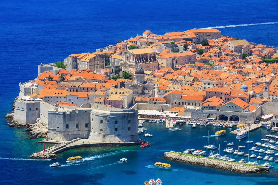 Croatia and its capital, Dubrovnik, have been attracting fans of Game of Thrones, with the city's UNESCO-protected historic downtown used as the setting for a number of scenes throughout the series' seven seasons.