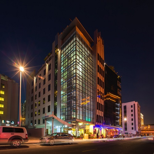 Park Inn by Radisson, the young and dynamic mid-scale brand of the Carlson Rezidor Hotel Group, has opened the very first property in Dubai: Park Inn by Radisson Hotel Apartments in Al Barsha.